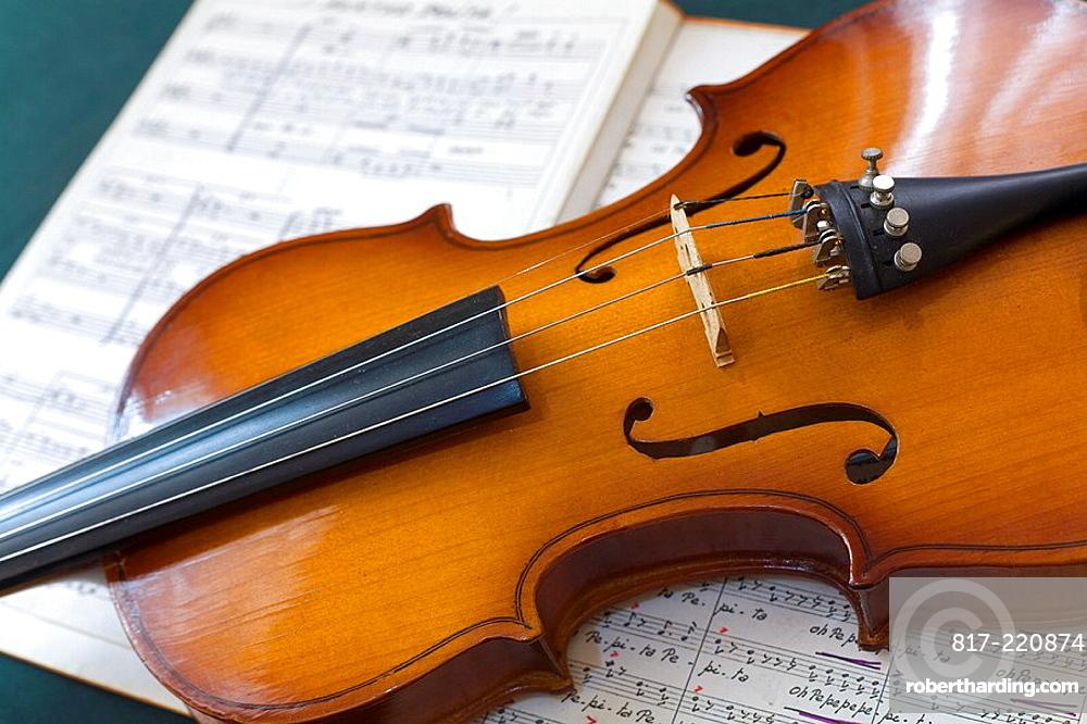 violin and score
