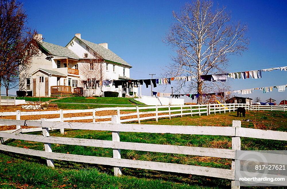 Amish farm, Lancaster County, Pennsylvania, USA