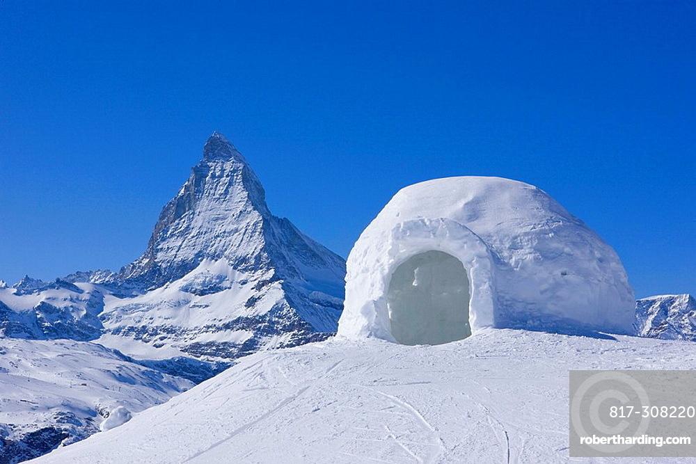 Iglu mit Matterhorn. Iglu mit Matterhorn