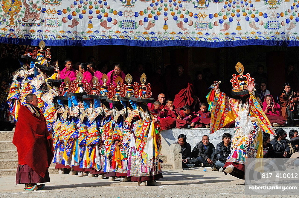 China, Gansu, Amdo, Xiahe, Monastery of Labrang Labuleng Si, Losar New Year festival, Cham Dances, Black Hat dance