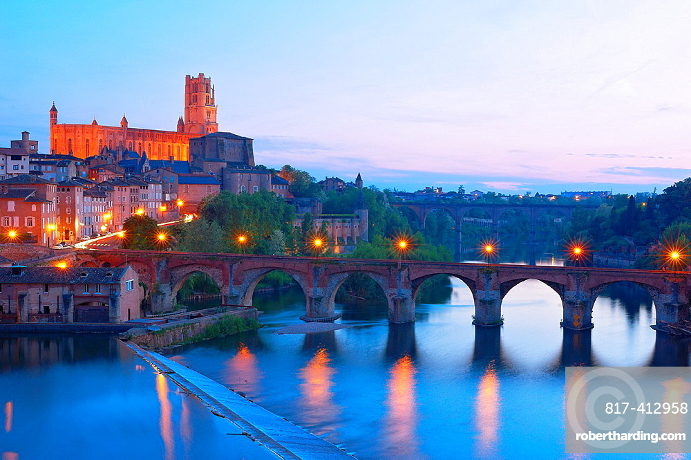 Albi, River Tarn, Cathedral of Saint Cecilie, Tarn, Midi-Pyrenees, France, Europe.
