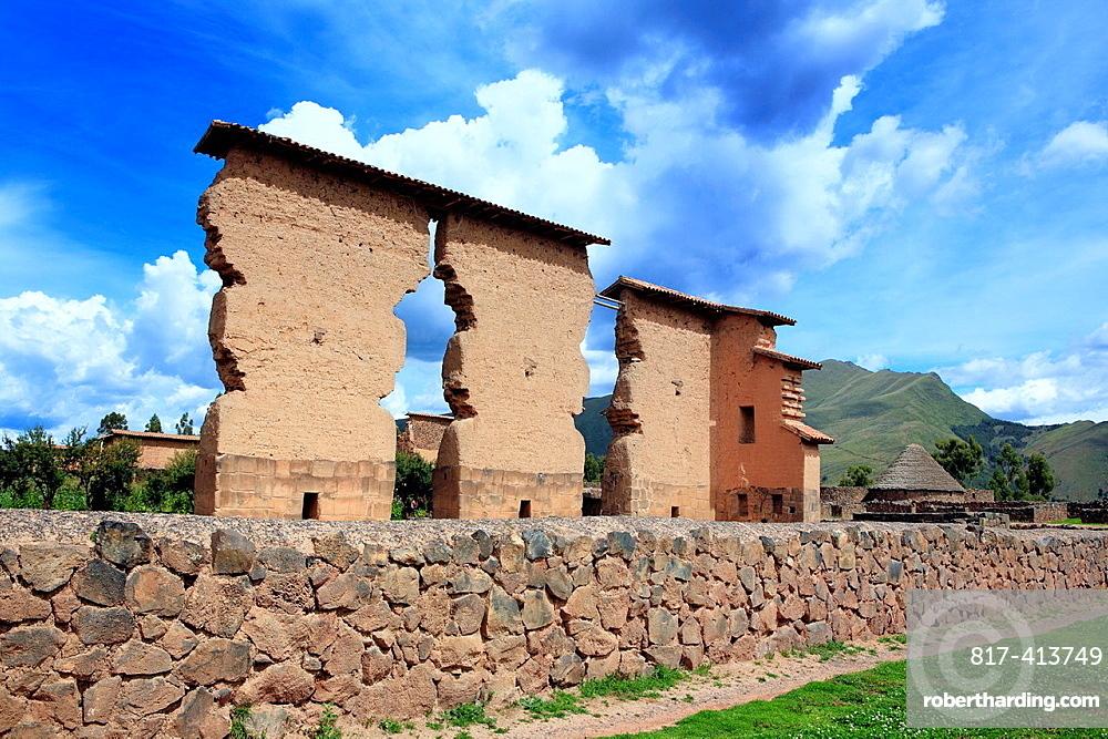 Inca ruin, Raqchi, Cuzco, Peru