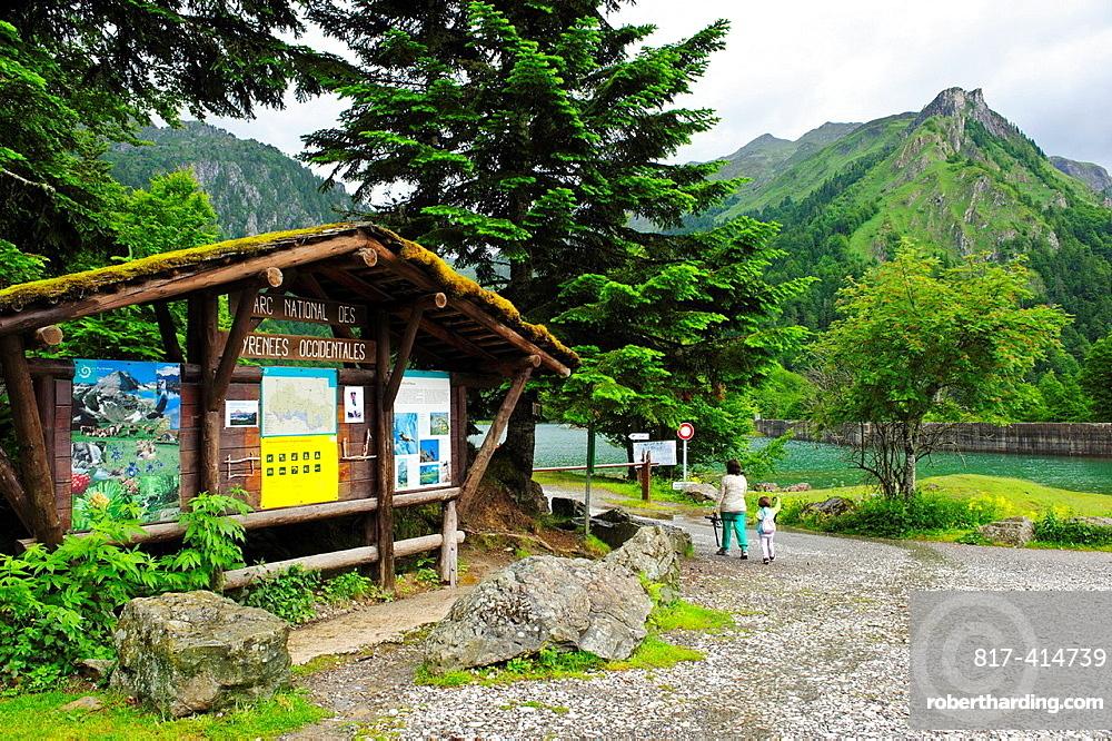Lago de Bious Artigues Park National des Pyrenees Francia.