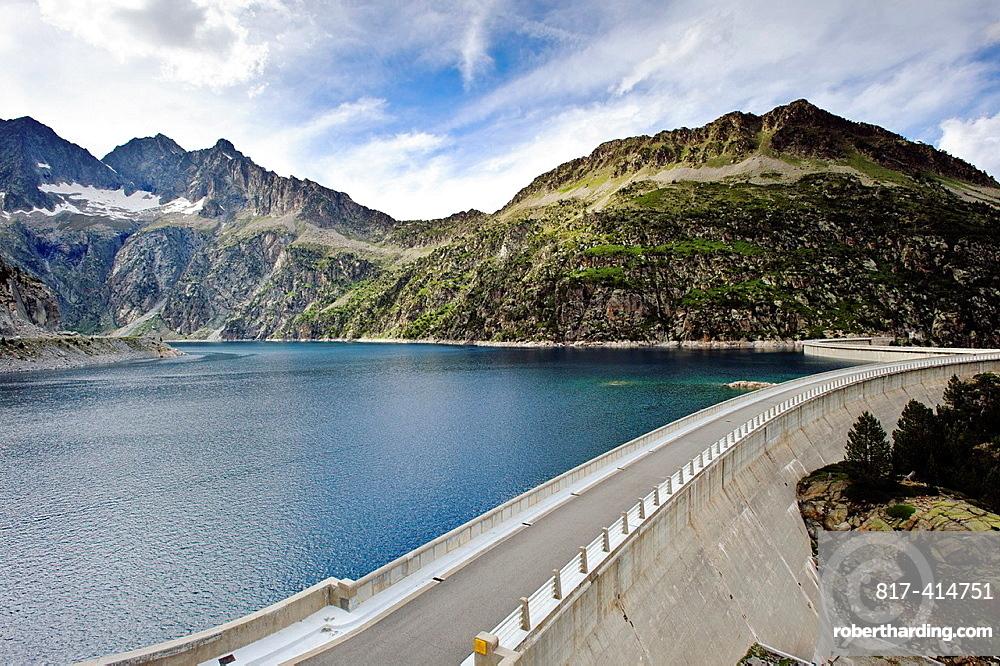 Lac de Cap de Long Reserve Naturelle du Neouvielle Park National des Pyrenees Francia.