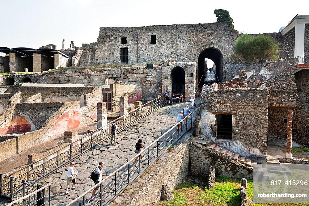 Tourism at Pompeya Italy