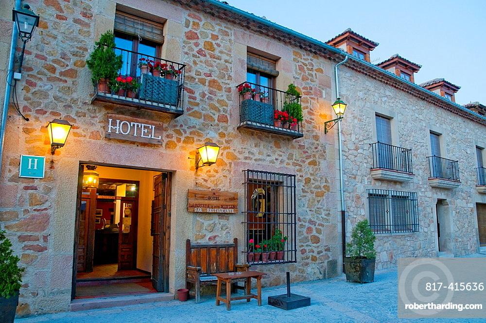 La Posada de Don Mariano Hotel, night view. Mayor Street, Pedraza, Segovia province, Castilla Leon, Spain.
