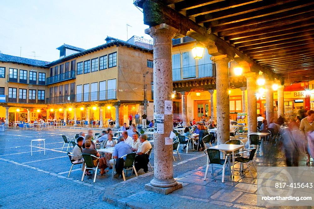 Main Square at nightfall. Tordesillas, Valladolid province, Castilla Leon, Spain.