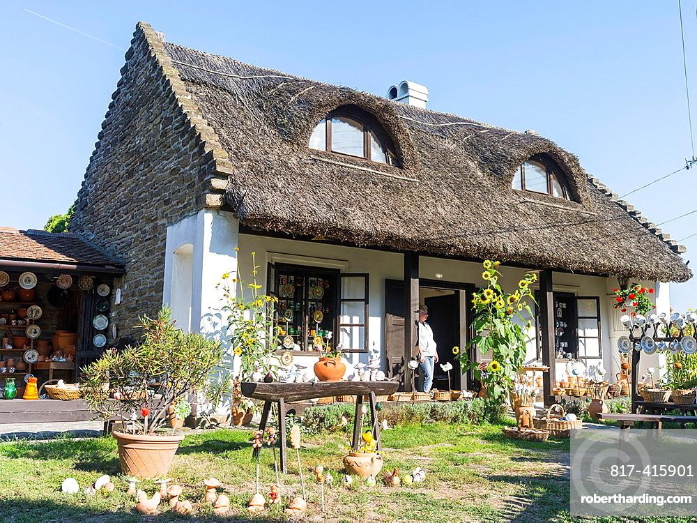 Traditional Hungarian houses, Tihanyi Tihanyi is one of the main attractions of the Balaton area Europe, Eastern Europe, Hungary, Tihanyi, October