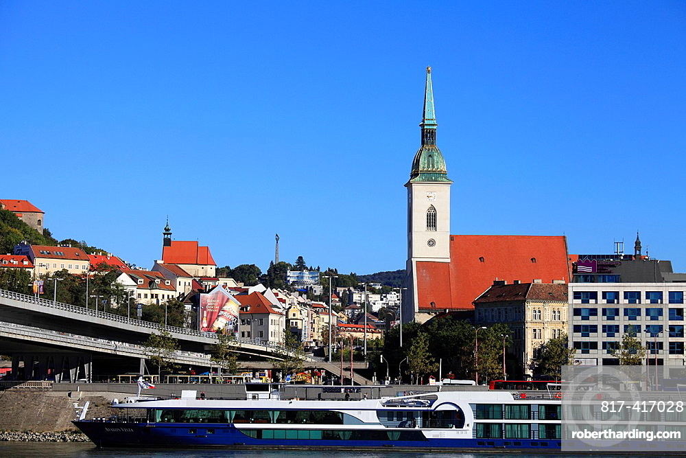 Slovakia, Bratislava, St Martins Cathedral, skyline, Danube River,