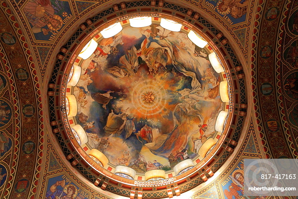 Hungary, Szeged, Votive Church, Cathedral, interior,