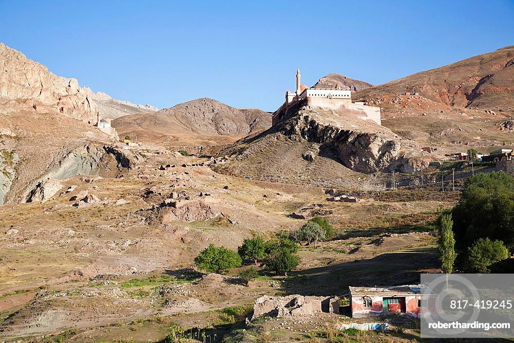 Ishak Pasa Palace seen in the landscape, Dogubayazit, north-eastern Anatolia, Turkey, Asia