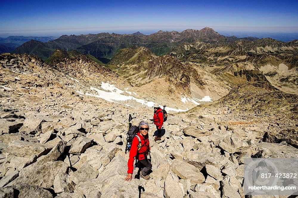 ascent to peak Neouvielle, 3091 meters, Natural Park Neouvielle, French Pyrenees, Bigorre, France