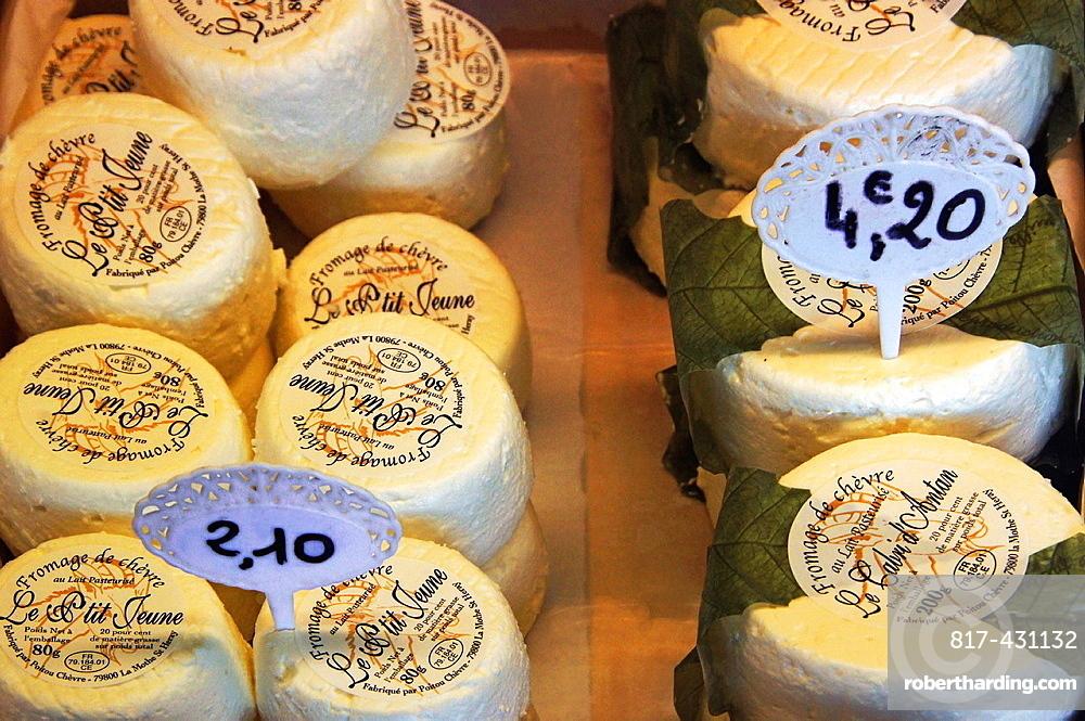 France-Food: 'Fromage de Chevres'.