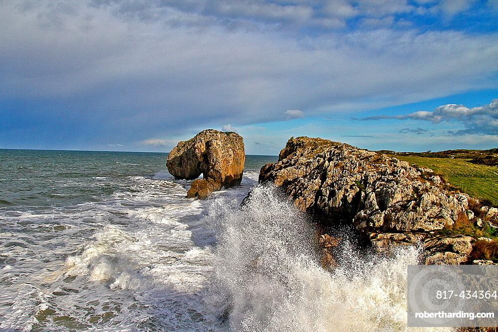 Cliffs and Castro de la Gaviotas, Villahormes, Llanes Asturias, Spain