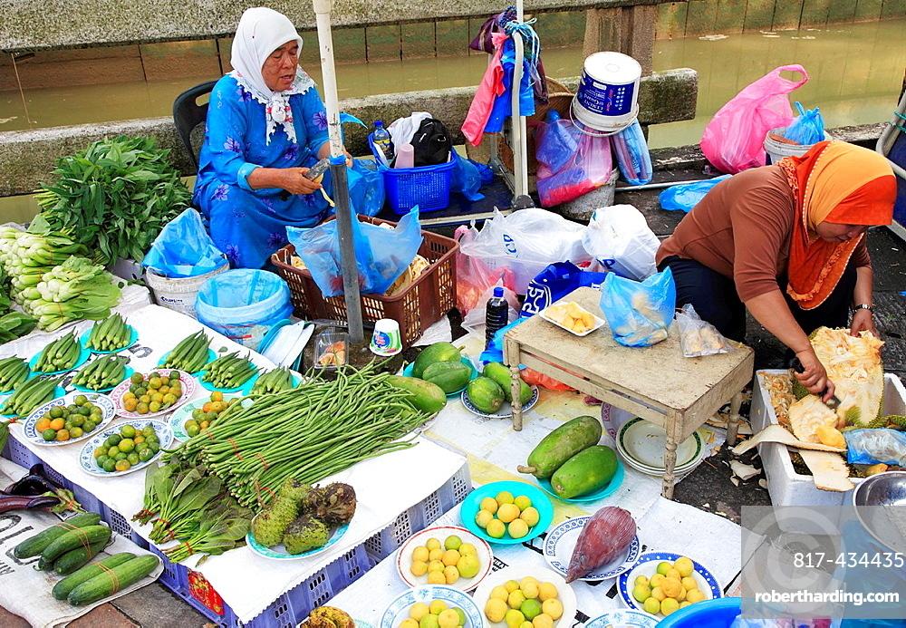 Brunei, Bandar Seri Begawan, Tamu Kianggeh, market,