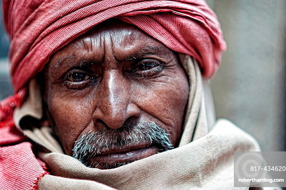 Portrait of an indian man wearing turban Varanasi, Benares, Uttar Pradesh, India