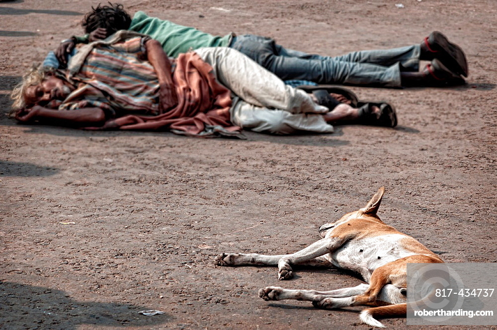 Men sleeping on the ground Calcutta, West Bengal, India