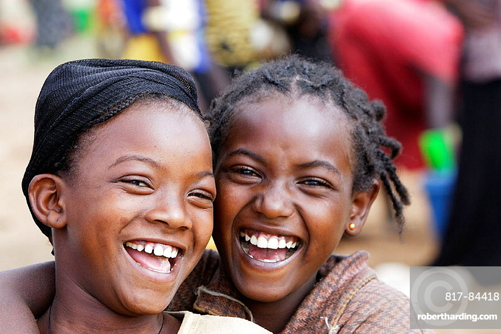 Ari tribe young girls, Key Afer market, Ethiopia
