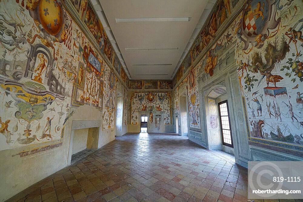Frescoes in the juggler's salon of Torrechiara Castle, Langhirano, Parma, Italy, Europe