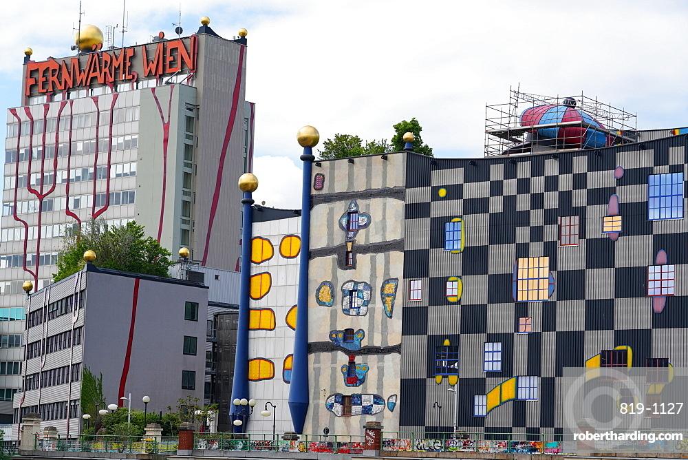 The waste incineration plant of Spittelau designed by Friedensreich Hundertwasser, Vienna, Wien, Austria, Europe