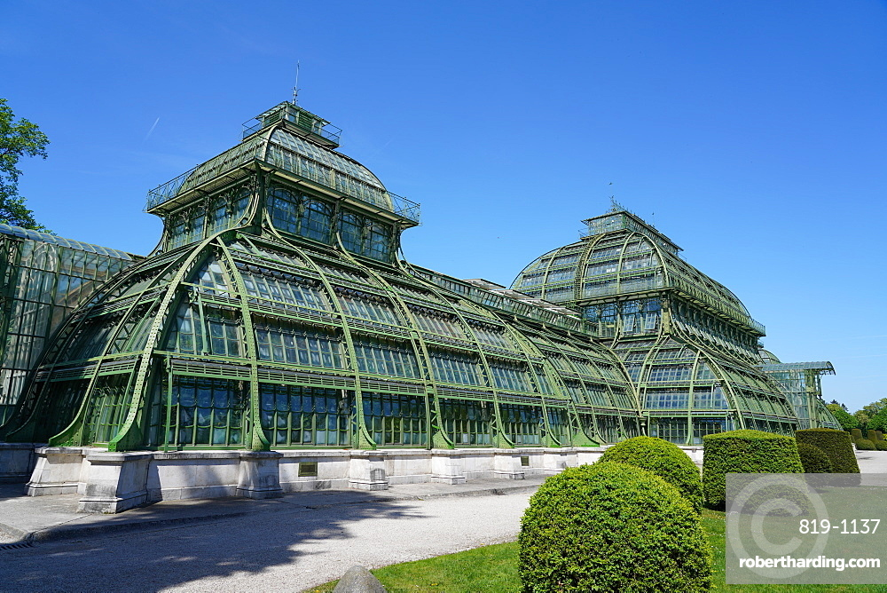 The Palm House in the Schönbrunn gardens, Vienna, Wien, Austria, Europe