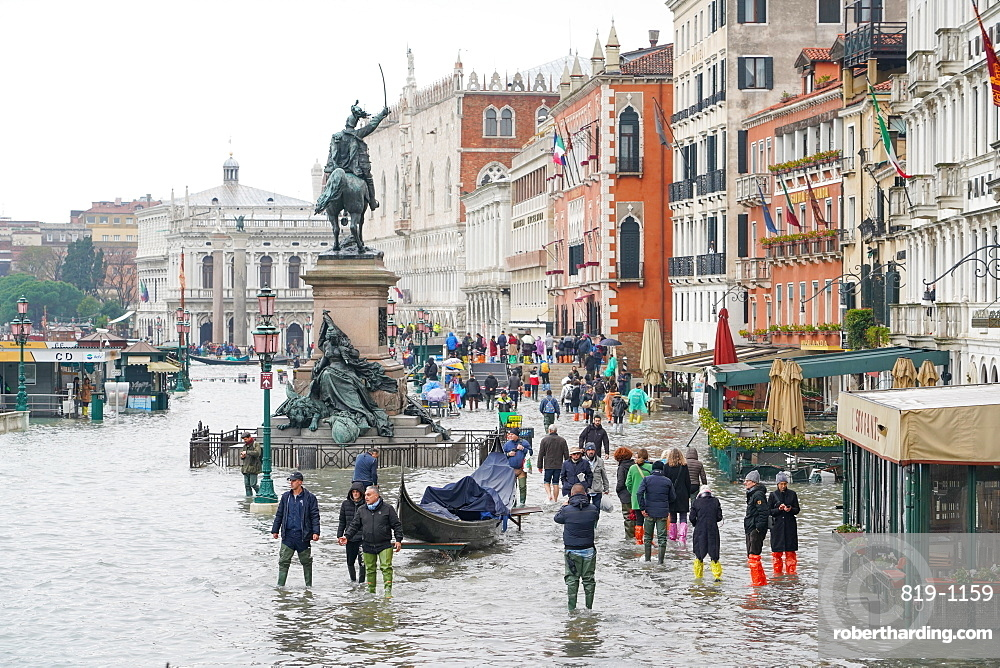 High tide in Venice, November 2019, Venice, UNESCO World Heritage Site, Veneto, Italy, Europe