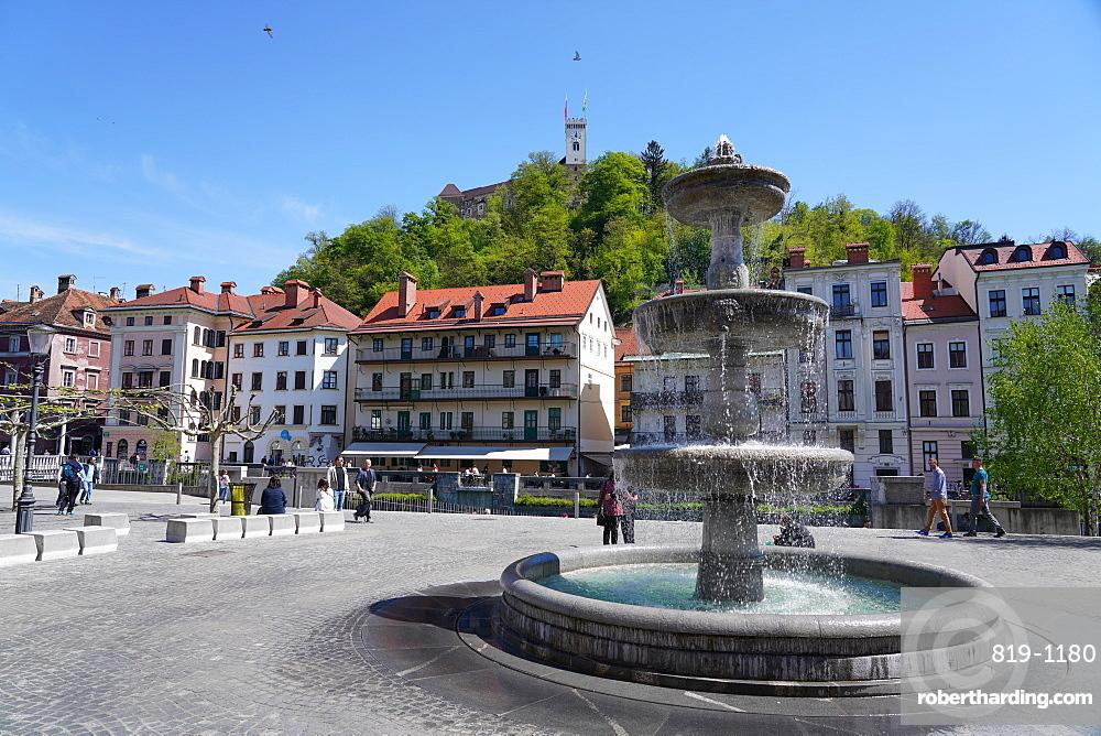 Fountain in New Square, Vodnjak na Novem trgu, Ljubljana, Slovenia, Europe