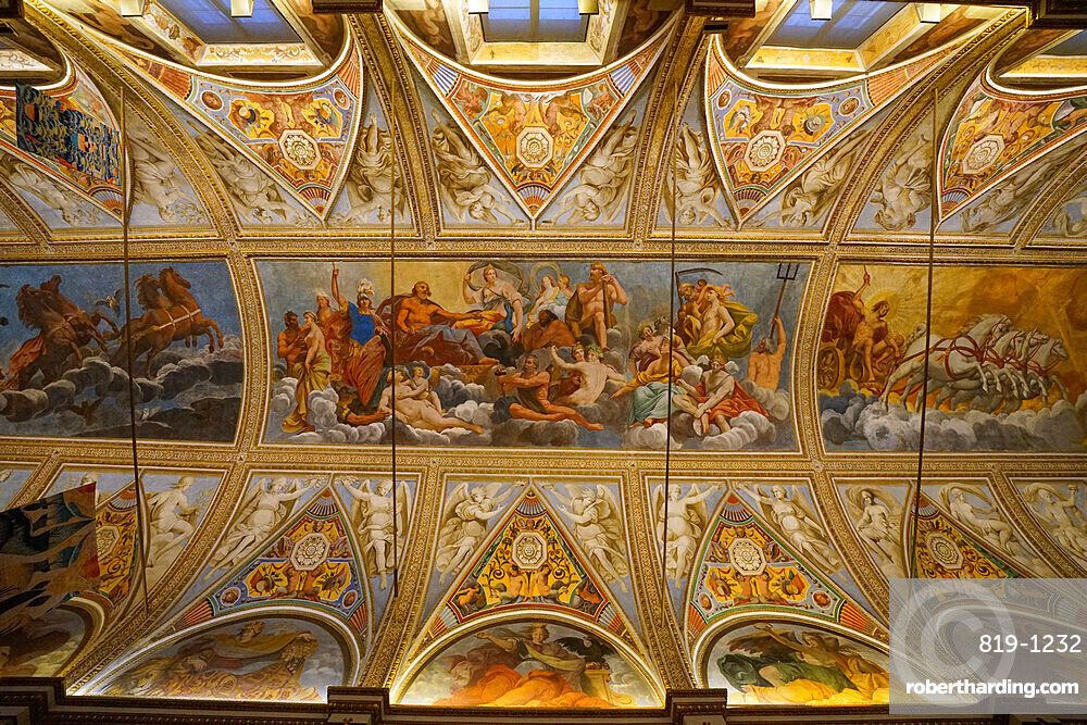 Ceiling of the Gallery of the Mirrors, Palazzo Ducale di Mantova, Mantua, Lombardy, Italy, Europe