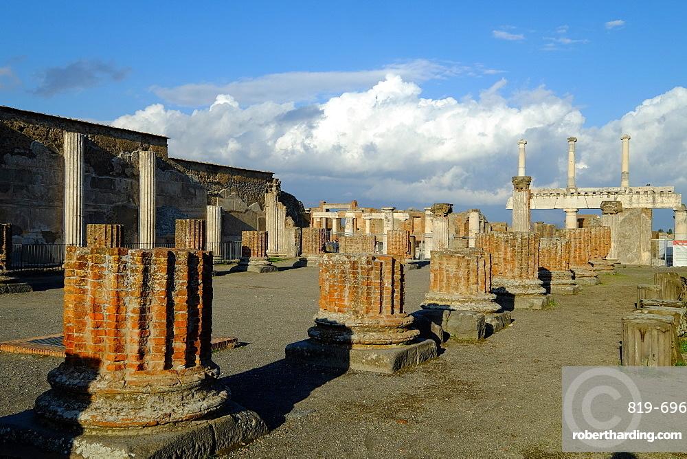 Basilica, Pompeii, UNESCO World Heritage Site, the ancient Roman town near Naples, Campania, Italy, Europe