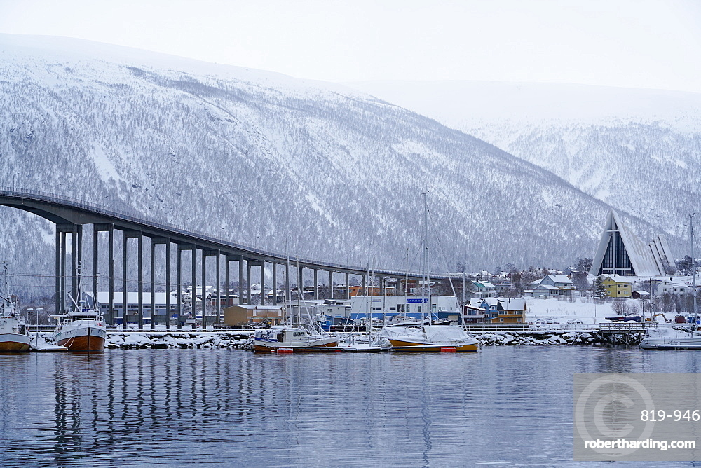 Tromso Harbour, the Bruvegen Bridge and Tromsdalen Church (Arctic Cathedral), Tromso, Troms County, Norway, Scandinavia, Europe