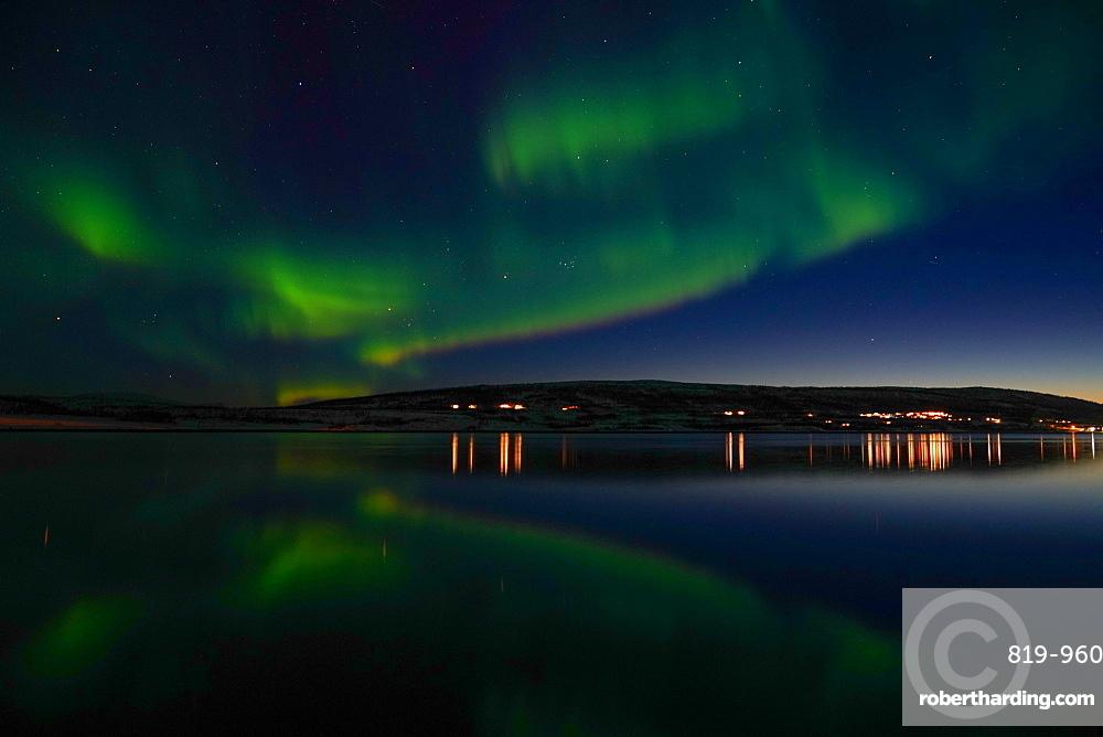 Northern lights (Aurora borealis) at Nordlenangen, Lyngen peninsula, Troms County, Norway, Scandinavia, Europe