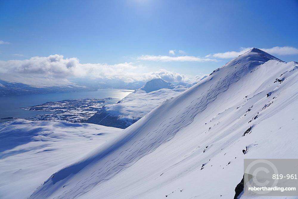 Lyngen Alps, Lyngseidet, Lyngen peninsula, Troms County, Norway, Scandinavia, Europe