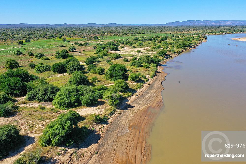 Mangoky River on the road from Manja to Morombe, Madagascar, Africa