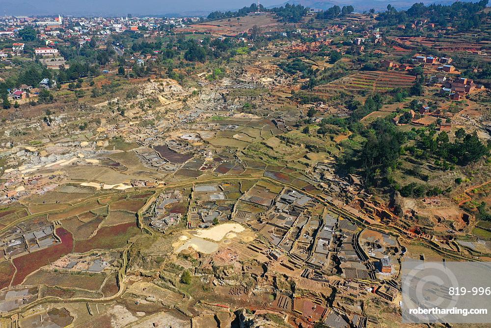 Brick making on the rice fields on the National Route RN7 between Antsirabe and Antananarivo, Ambatotapaka, Madagascar, Africa
