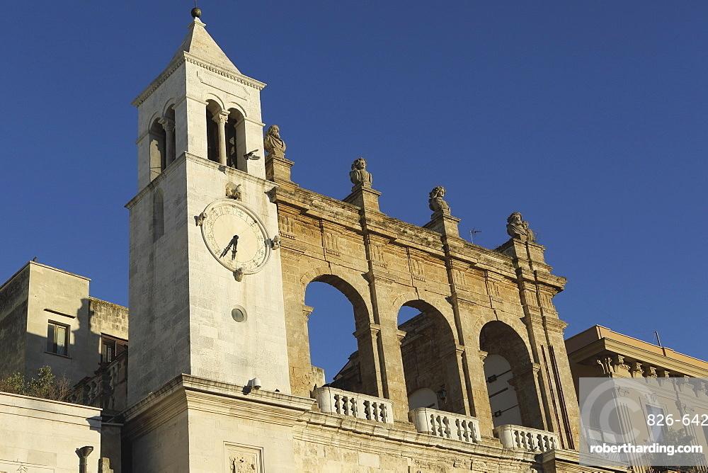 Palazzo del Sedile dei Nobili clock tower, Piazza Mercantile (Market Square), in the Bari Vecchia quarter of Bari, Apulia, Italy, Europe