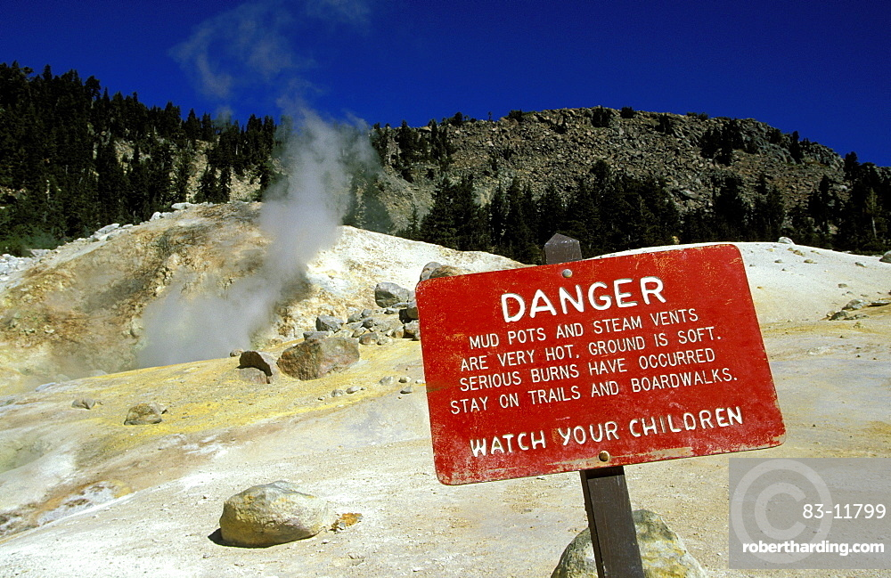 Sulphur deposits at 'Bumpass Hell', the largest area of mudpots and steam vents at this national park around Lassen Peak volcano, Lassen volcanic national park, California, Usa