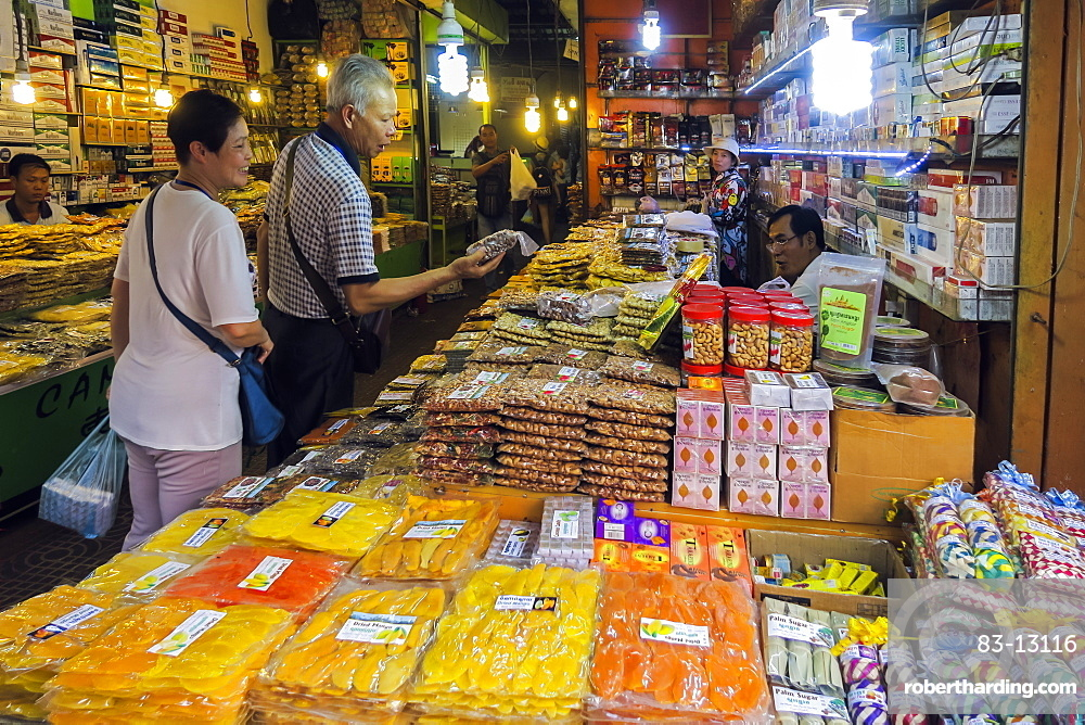 Grocery stall in the Psar Chas Old Market in the centre of Siem Reap, the important north west tourist town, Siem Reap, Cambodia, Indochina, Southeast Asia, Asia