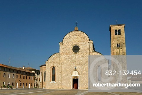 Romanesque cathedral, basilica, built in 1466, Piazza Celso Costantini, Concordia Sagittaria, Veneto, Italy, Europe