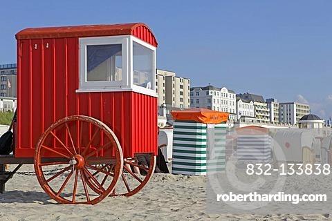 Bathing machine on the main beach, Borkum, East Frisian Island, East Frisia, Lower Saxony, Germany, Europe