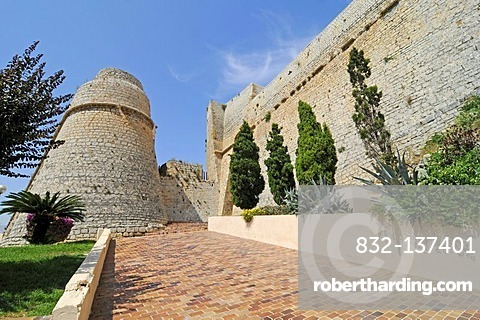 Town gate, Baluard des Portal Nou, Muralla town wall, Dalt Vila, Unesco World Heritage Site, historic town, Eivissa, Ibiza, Pityuses, Balearic Islands, Spain, Europe