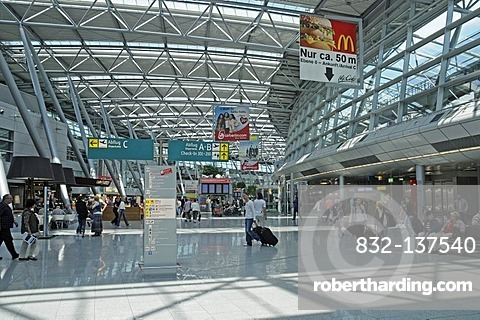 Concourse, check-in area, passengers, airport, Duesseldorf, North Rhine-Westphalia, Germany, Europe