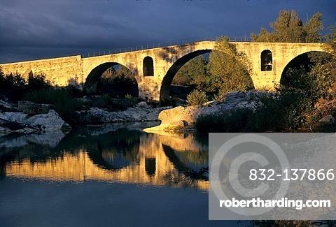 Pont Julien, Luberon, Provence, France, Europe