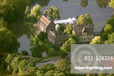 Aerial view, Wittringen moated castle, Gladbeck, Ruhr Area, North Rhine-Westphalia, Germany, Europe