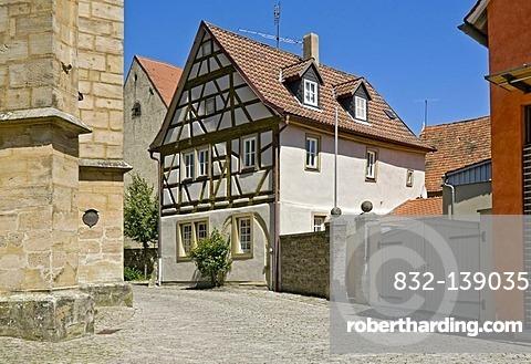 House next to St. Veit's church, Iphofen, Lower Franconia, Bavaria, Germany, Europe