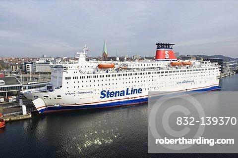 Ferry in Kiel harbor, Kiel, Schleswig-Holstein, Germany, Europe