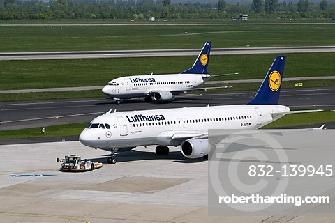Airport, airfield, aircraft, Lufthansa airline, Airbus A320-200, D-AIPT, Boeing 737-500, D-ABIZ, Duesseldorf, Rhineland, North Rhine-Westphalia, Germany, Europe