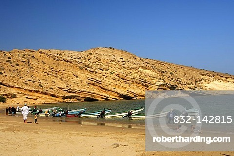 Motorboats on Quantab beach in the picturesque Barr Al Jissah bay, Gulf of Oman near Muscat, Sultanate of Oman, Middle East