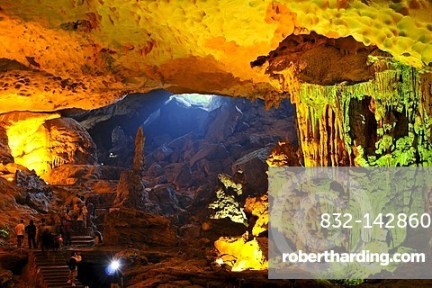 Hang Sung Sot, Cave of Surprises, stalactite cave in Halong Bay, Vietnam, Southeast Asia