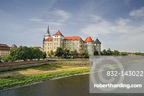 Schloss Hartenstein castle on the Elbe river, Torgau, Saxony, Germany, Europe