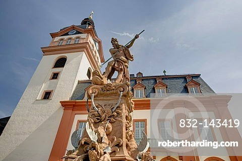 Castle Church on the market square with a fountain of Neptune, Weilburg an der Lahn, Hesse, Germany, Europe